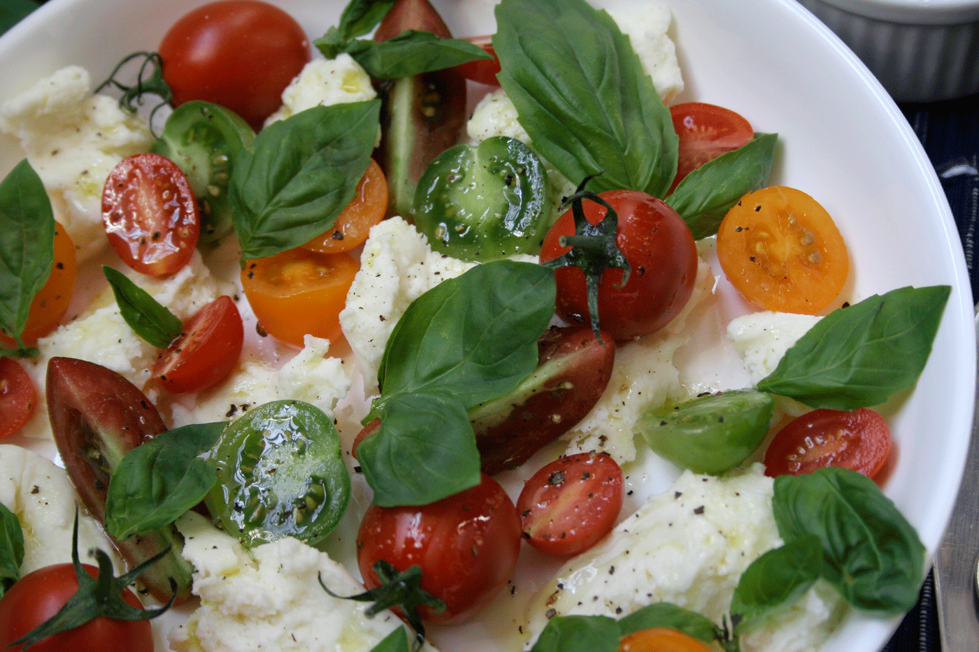 Uncomplicated Caprese Salad